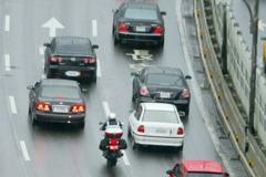 豪雨襲台小心國道水漂 切記不要急踩煞車