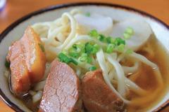 沖繩必吃美食!4家CP值高、口味獨到的沖繩麵