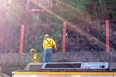 台鐵七堵電車線掉落 7800乘客受影響