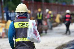 勞保一次給付人數增2成5 勞保局坦言:因年改
