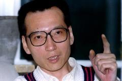 劉曉波香港追「詩」會 用文學悼念他