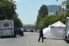 洛杉磯中領館前濫射數十槍 華男飲彈