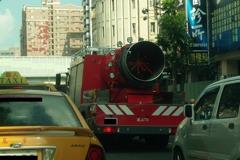 消防車「搭載巨砲」真實作用是?網友狂猜歪樓啦!