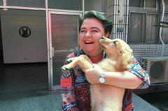 歐盟駐台辦事處再訪新北警犬隊 對幼犬「抱緊處理」