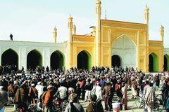 喀布爾清真寺自殺攻擊 至少14平民遇害