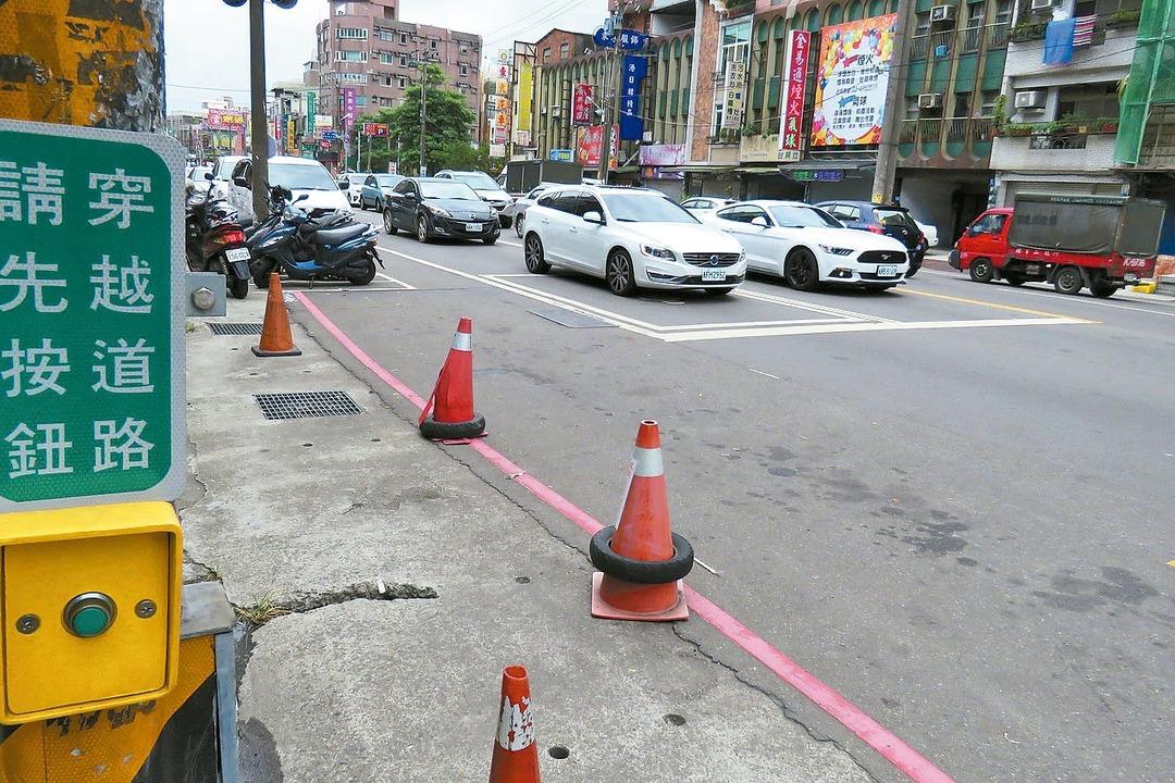 地方爭設紅綠燈 交通反打結
