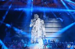 黃國倫圓夢鳥巢自費開唱 八萬觀眾到場仍倒賠五千萬