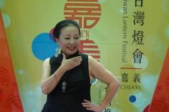 張花冠不回應陳明文夫婦反擊 走秀宣傳台灣燈會意象