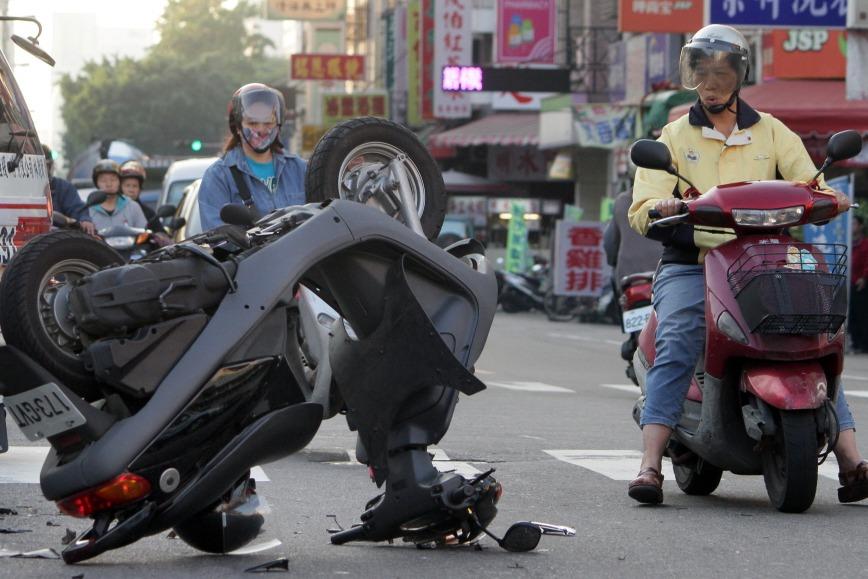 令人憂心!台灣每天8人車禍死亡 20至24歲是高峰