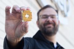向IBM叫陣 Intel也跟進打造17個量子位處理器晶片
