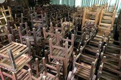 台南課桌椅老舊 復興國中還有連體式