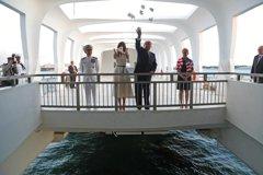 川普訪珍珠港 憑弔亞利桑那號戰艦