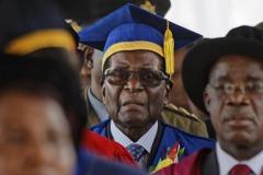 軍隊奪權後 辛巴威總統首度公開露面