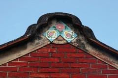 花磚與紅磚的呢喃 台灣「磚」屬