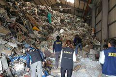 違法廢棄物堆置如山 橋頭檢方聲押7人改交保