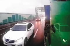國道逼車很可惡 但遇上另一種駕駛…更讓人抓狂
