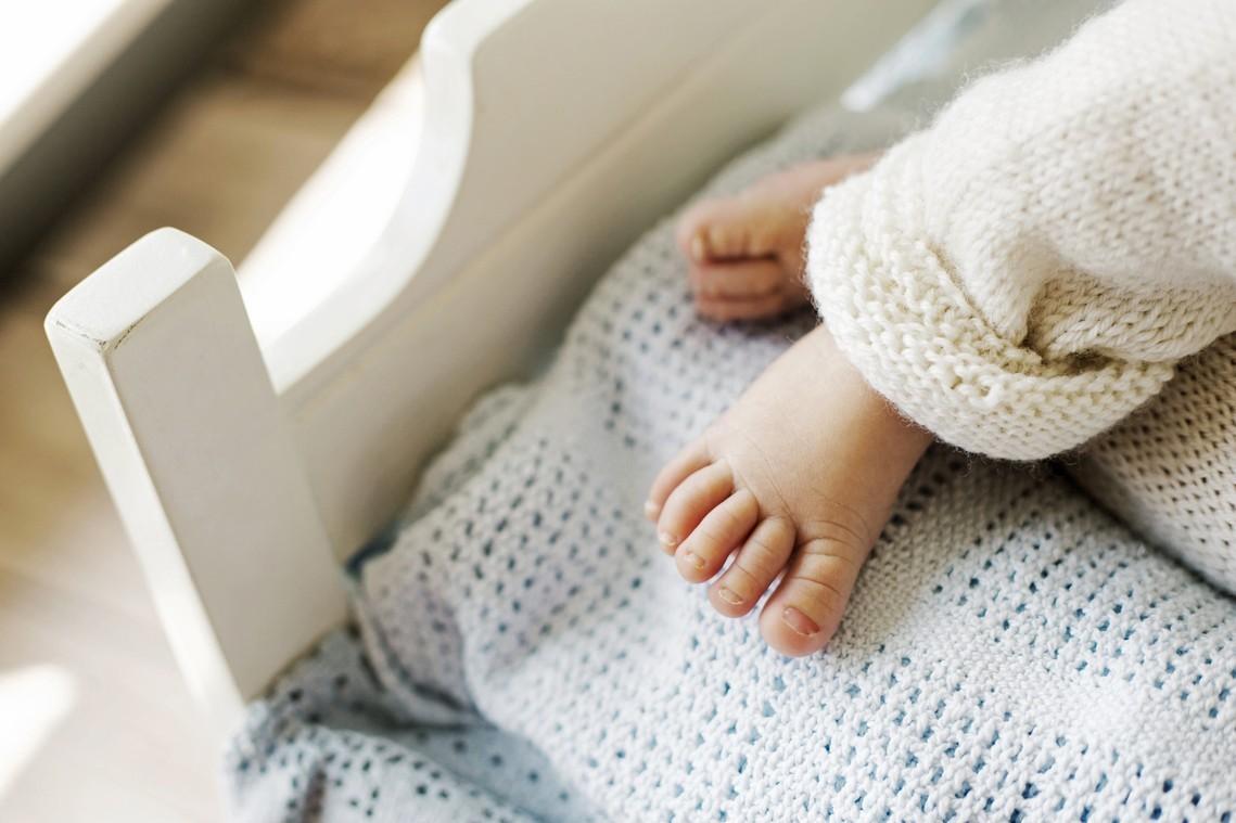 芬蘭頭一人 變性男子產下寶寶
