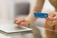 電商信用卡交易 女性最會刷、長者最敢刷