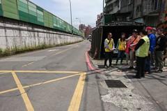高速公路牆油漆剝落 沿汐止福德三路要清洗