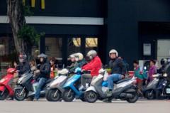 重機駕照被吊扣 可用汽車駕照騎輕機嗎?