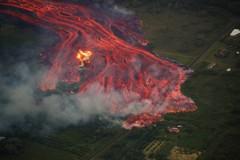 夏威夷火山岩漿流到太平洋 污染夢魘還沒完