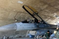 完成特檢投入操演 國軍F-16戰機重回藍天