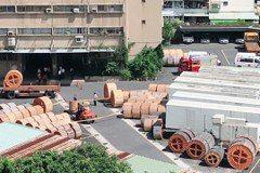 3噸纜線壓死中華電信員工 堆高機駕駛到警局狂發抖