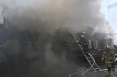 士林夜市商圈火警 大量濃煙竄出