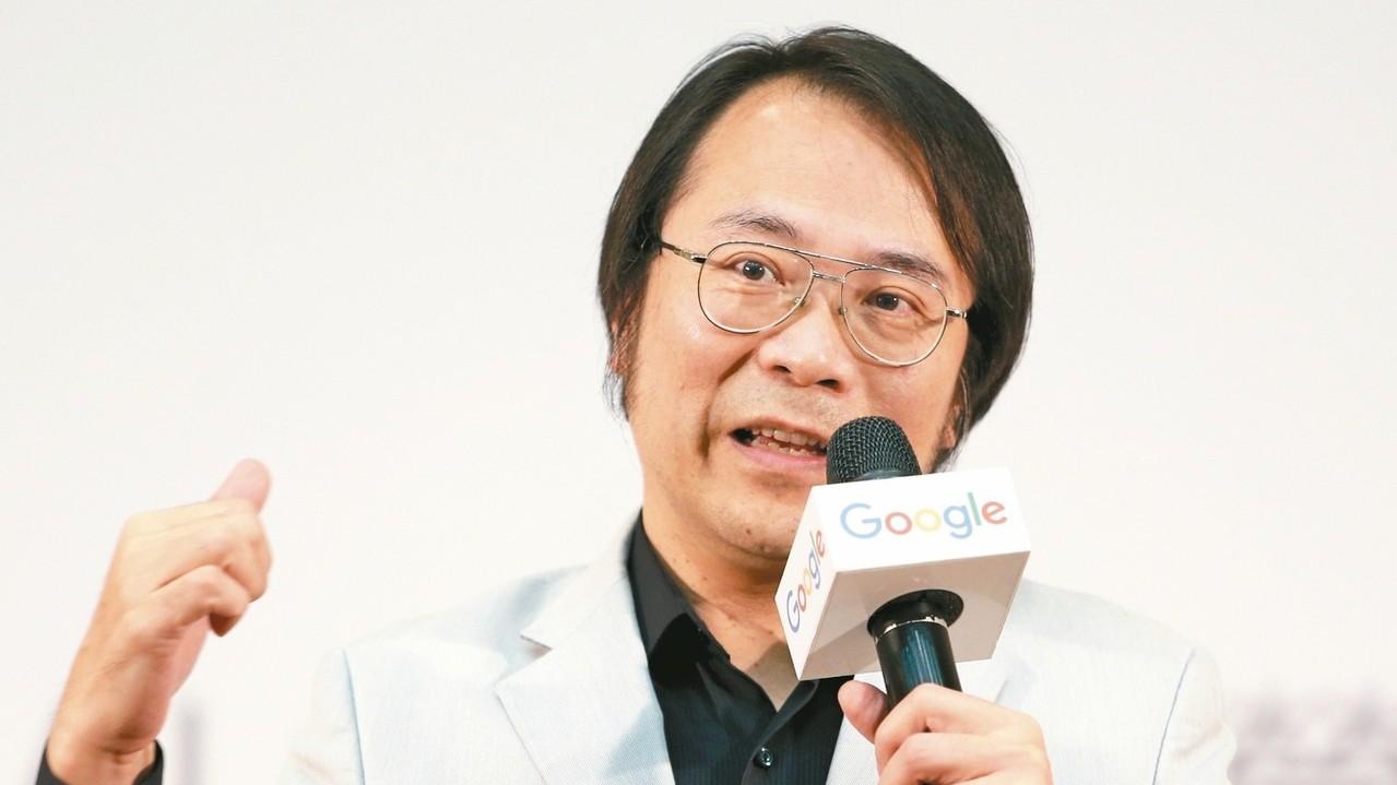 讚台灣人才優勢 簡立峰:世上少有那麼多會寫程式的電機系畢業生