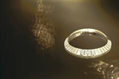 烏木屏風的華麗 CHANEL幻化珠寶