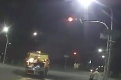 把垃圾車當救護車開?楠梓清潔隊頻闖紅燈被檢舉