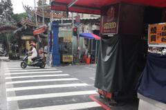 士林夜市爆攤商私設斑馬線 調查局將追有無竊占國土