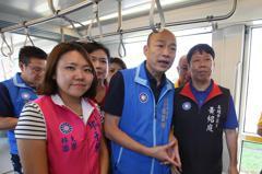 韓國瑜促二階輕軌暫停工 基進黨抗議被隔開
