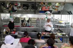 盼讓學童享受五星級廚藝 廚工也參加研習