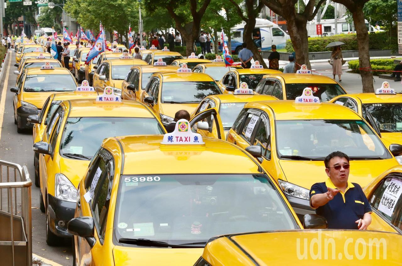 台灣恐現紐約計程車司機自殺潮?業者批政府麻木不仁
