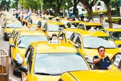 Uber爭議再無解 計程車嗆街頭見
