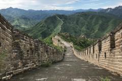 北京修繕明長城 數十萬磚石騾子馱上山