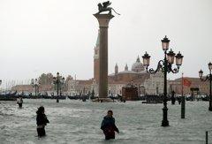 影╱真的變水都!義國暴雨釀6死 威尼斯3/4泡水
