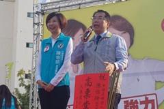 影/黃偉哲為陳亭妃妹站台 兩人真融冰?