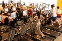 健身房要花錢還是一堆人去?網:在家最貴!