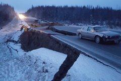 阿拉斯加地震規模上修7.0 海嘯警報發布