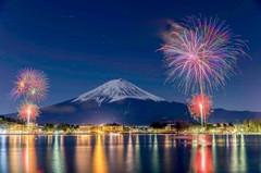 到日本泡湯看花火!冬日必訪五大浪漫煙火饗宴
