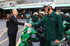 中華郵政年終4.4個月 約僱人員調薪2%