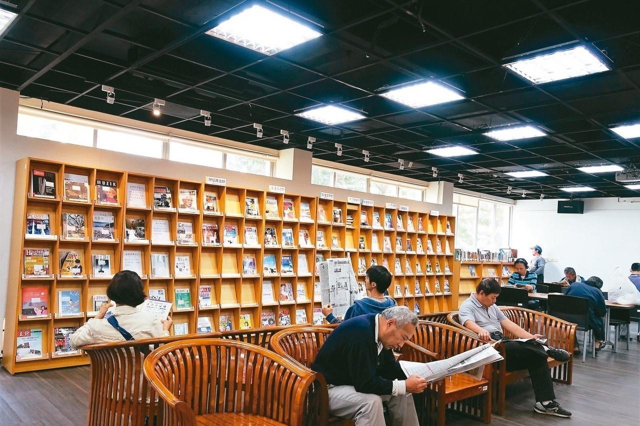 屏東鄉鎮圖書館買書錢 1年1.4萬元