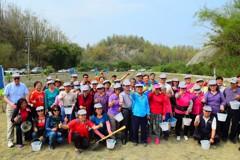 高雄月世界土質特殊 林務局精選樹種植樹500棵