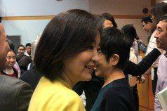 林青霞素顏在校園被捕獲 回眸1個表情被瘋傳