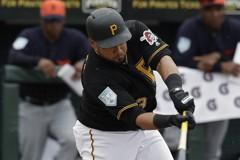MLB/簽小聯盟約 「牛奶小子」擠進開季名單
