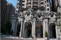 高雄豪宅「溫莎堡」法拍 低底價含2平面車位