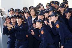 警察更換新制服 法警盼法務部、司法院跟進