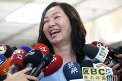 韓國瑜版稅爭議 李佳芬:實領70多萬